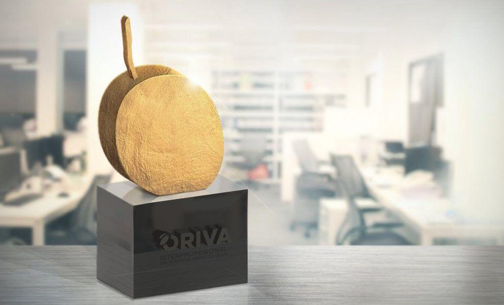 Trofeo del premio ORIVA de comunicación