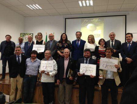 Entrega del primer premio AEMO a la Difusión de la Cultura del Olivo a la iniciativa apadrinaunolivo.org
