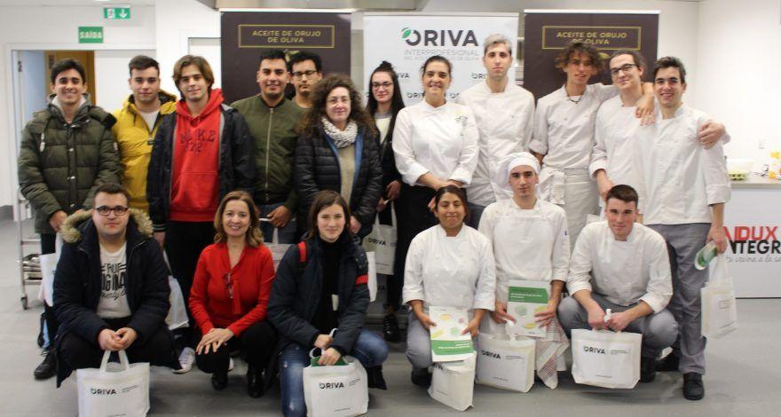 Alumnos CIFP Carlos Oroza de Galicia en masterclass de ORIVA sobre fritura con Aceite de Orujo de Oliva