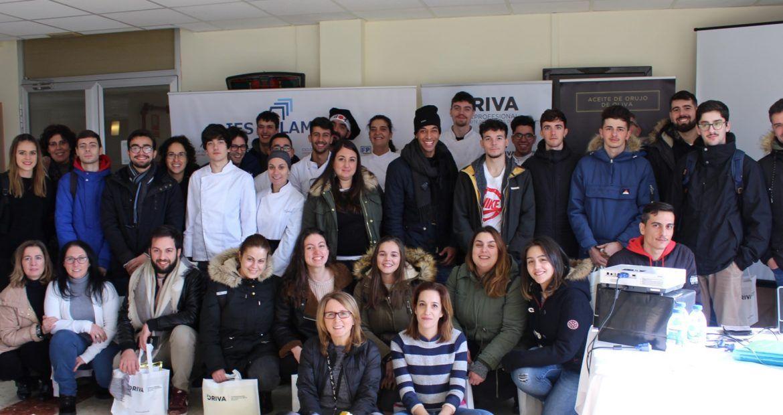 Alumnos IES Vilamarin de Ourense en masterclass de ORIVA sobre fritura con Aceite de Orujo de Oliva