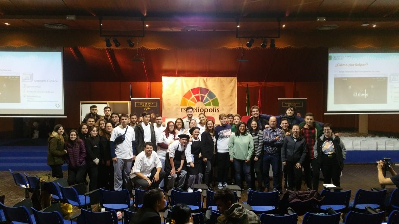 150 alumnos participan en la masterclass de Aceite de Orujo de Oliva en Sevilla